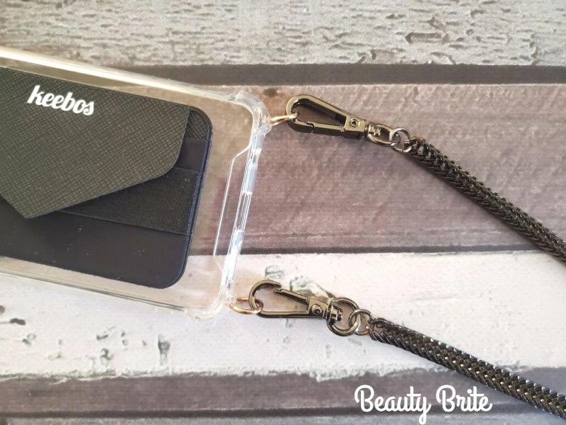 Crossbody Phone Case in Royal with Onyx Chain upclose