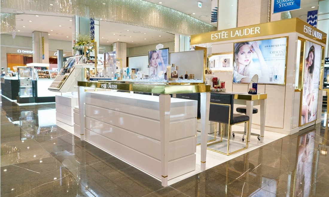 Estee Lauder Tops Estimates, Lifts Earnings View On Skin-Care Boost