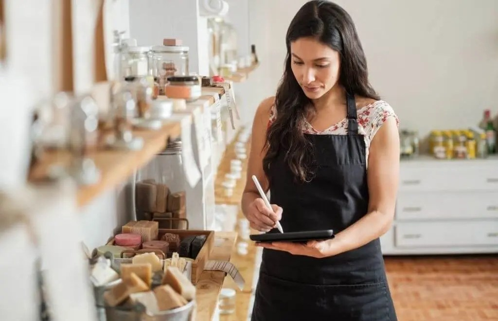 Zero Waste Cosmetics: Calling Time on Plastic Pollution