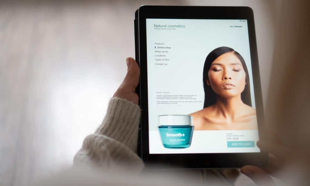 Luxury Beauty Brands Are Turning To Digital Services To Survive Frances Lockdown
