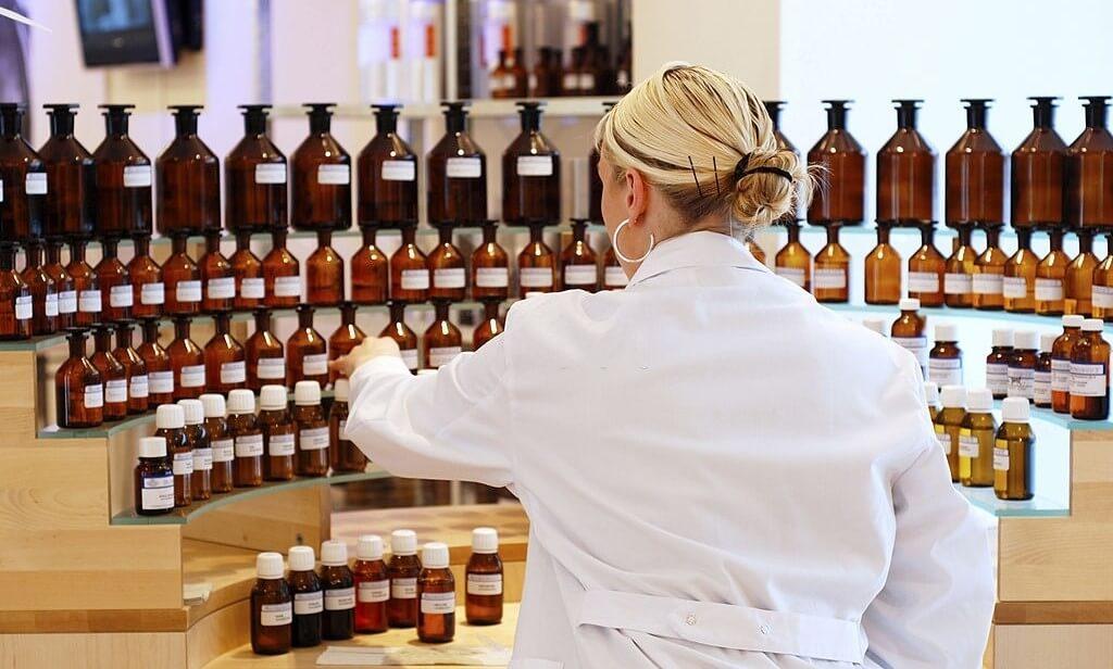 关于如何启动自己的香水生产线的绝对指南