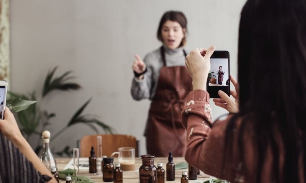 What Does The Future Of Fragrance Creation & Commerce Look Like?