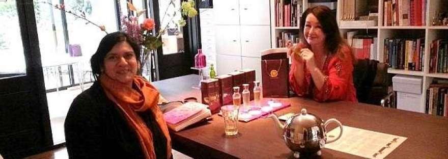 Neela en Babs samen interview