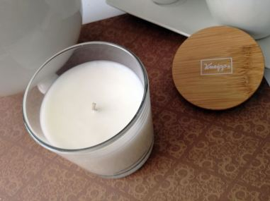 Kneipp Scented Candle Cosy Moment Macadamia-Star Anise-Orange