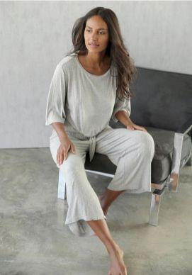 lascana-loungeset-met-geknoopt-shirt-en-broekrok-grijs