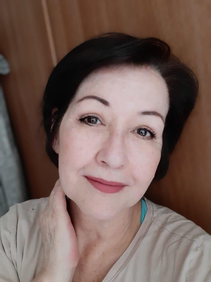 Ik heb mijn haar geverfd met WECOLOUR! (Dekt het grijs haar?) 31 grijs haar Ik heb mijn haar geverfd met WECOLOUR! (Dekt het grijs haar?)