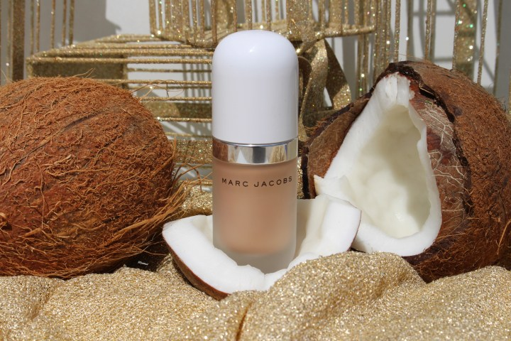 How to get the Coconut Glow by Marc Jacobs Beauty