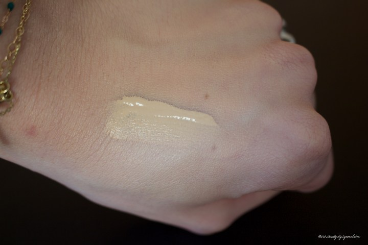 Nars Natural Radiant Longwear Foundation Mont blanc Swatch