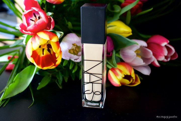 Nars Natural Radiant Foundation avis