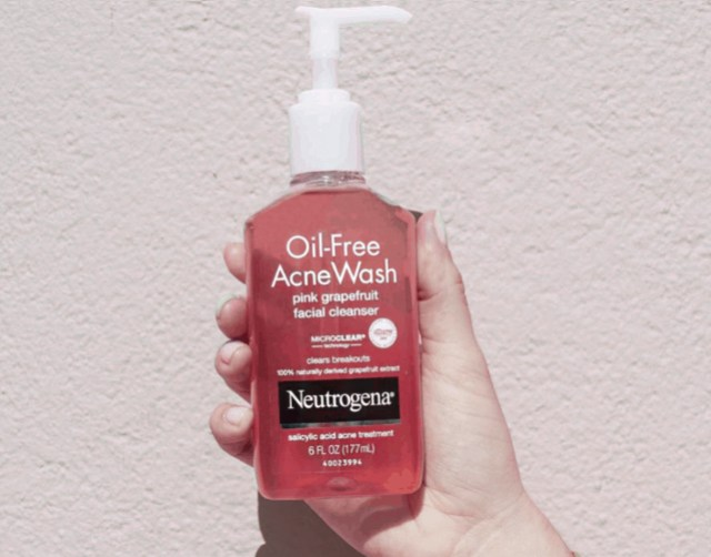 Neutrogena Oil-Free Acne Wash Pink Grapefruit Facial Cleanser Review