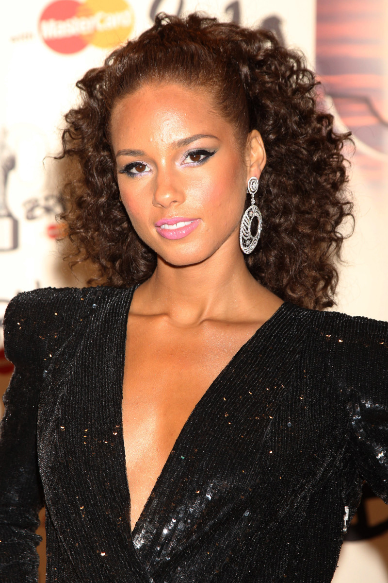 15 Of The Best Hairstyles For Long Curly Hair Beautyeditor