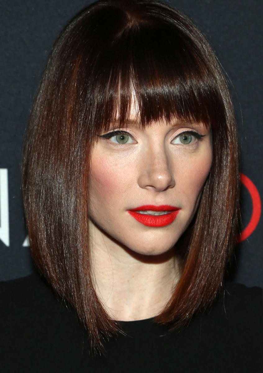 Bryce Dallas Howard Pairs OrangeyRed Lips With Cat Eyes