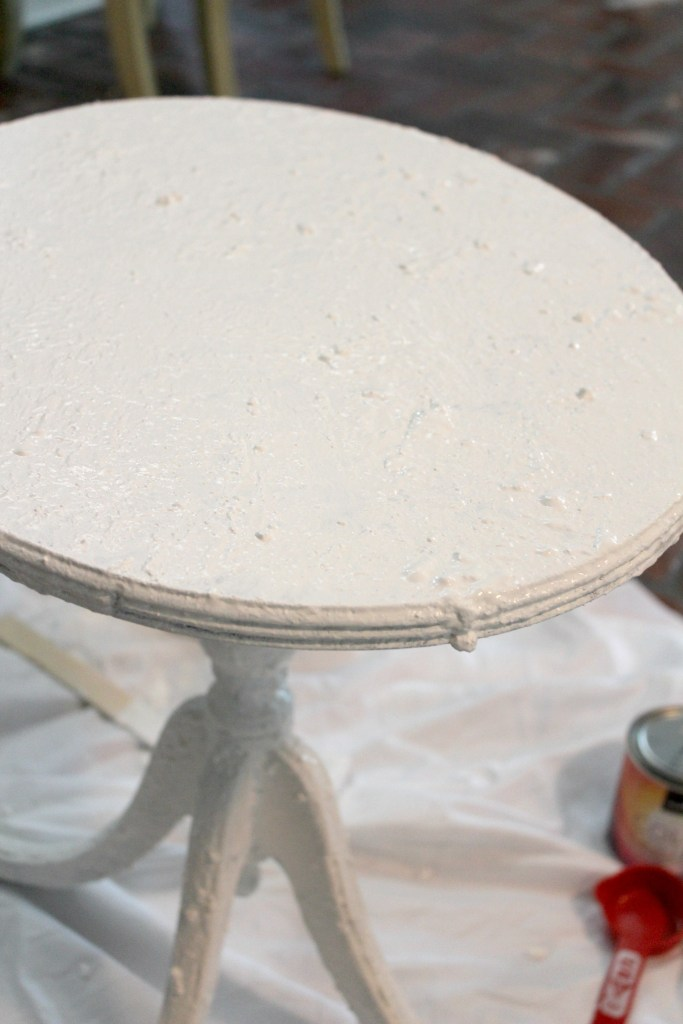 How to create an authentic looking, time-worn, and chippy white using salt wash technique. Give your furniture layers of chippy paint with an aged patina.