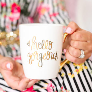 20 great holiday gift ideas for her that she is sure to love. Whether shopping for your wife, mom, sister, or bestie, there are plenty of options for all.
