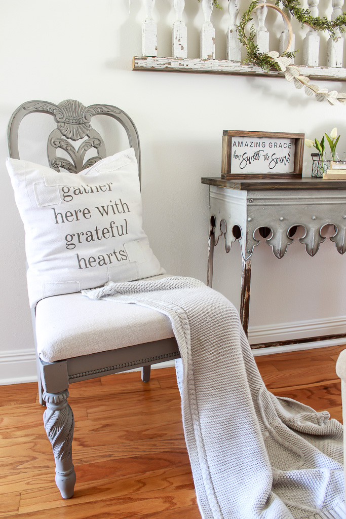 A step-by-step tutorial for creating a french country chair with chalk paint and drop cloth. This is an easy diy to turn trash to treasure.