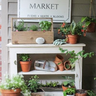 Vintage Style Potting Bench
