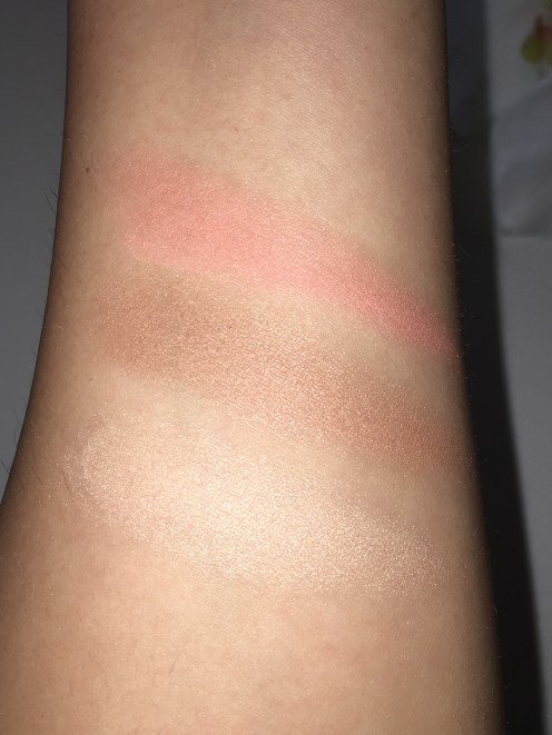 Bottom swatch: Highlighter ; Middle swatch: Contour ; Top swatch: Blush