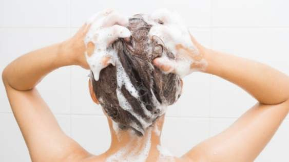 hair oiling,dandruff hacks,how to get rid of dandruff,get rid of dandruff,dandruff,how to get rid of dandruff fast,how to remove dandruff,how to get rid of dandruff instantly,get rid of dandruff fast,get rid of dandruff permanently,how to get rid of dandruff in one wash,how to get rid of dandruff naturally,how to get rid of dandruff overnight,how to get rid of dandruff and hair fall