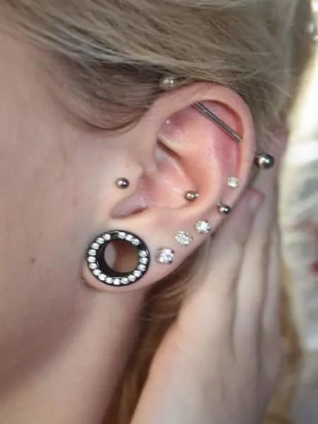 earlobe gauging for females