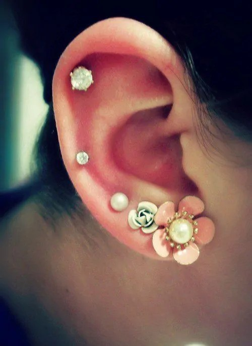 auricle ear piercing for females