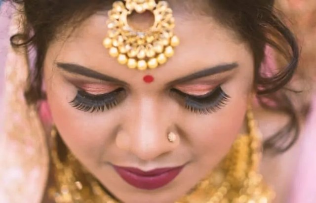 get a nose piercing for a wedding