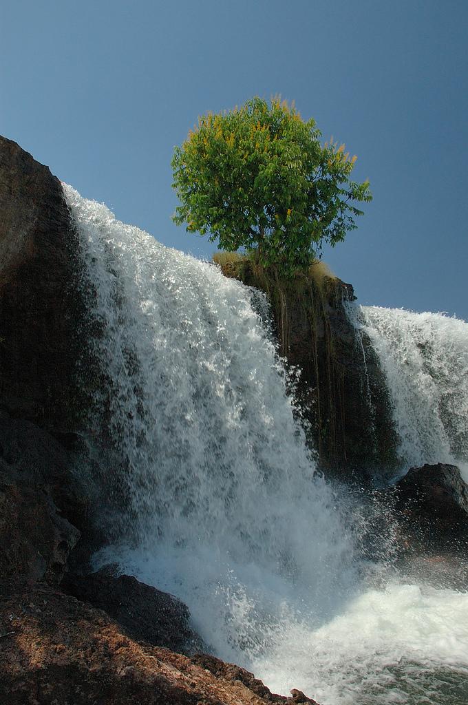 15 Beautiful Photos Of Amazing Waterfalls Beautyharmonylife