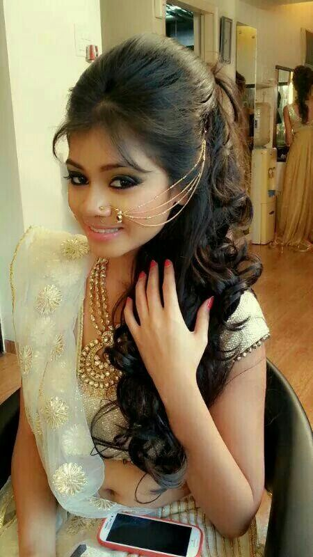 easy hairstyles for sarees