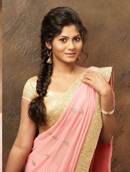 Latest Bridal Hairstyles For Wedding Sarees Indian Hairstyles