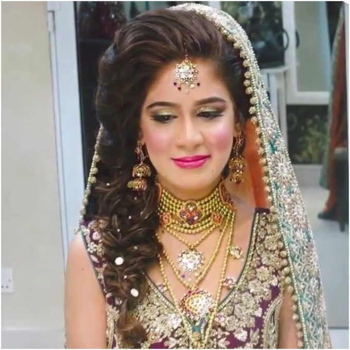 latest hairstyles that suits all types of sarees & lehengas