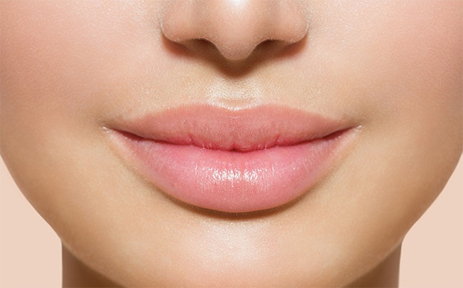 Puffy lips without injections