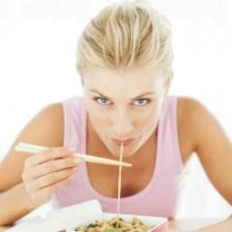 Girl-Eating-Noodles