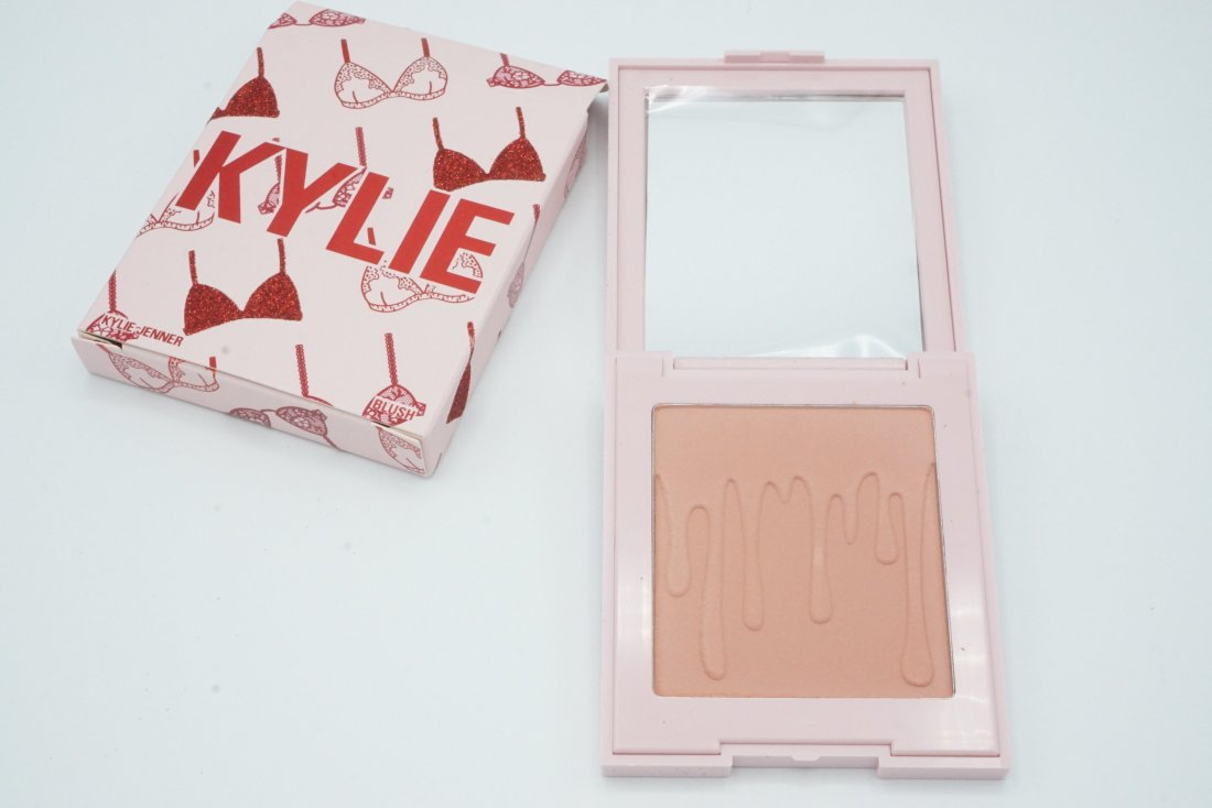 Kylie Cosmetics Valentine Collection 2019 | Review 2