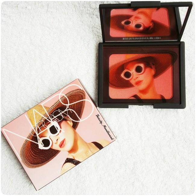 Packaging fard à joues rose irisé