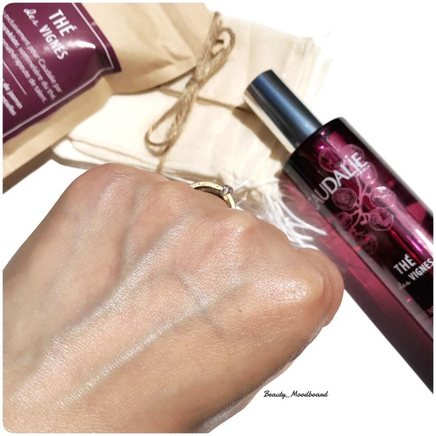 swatch peau hydratée avec une huile soin aux ingrédients naturels clean beauty