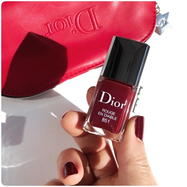 Couleur rouge bordeaux vernis Dior
