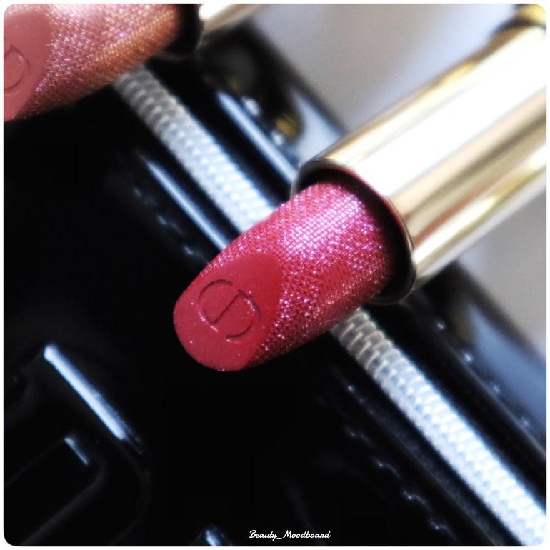 Détail du rouge à lèvres Diorific Passion 066 rouge intense