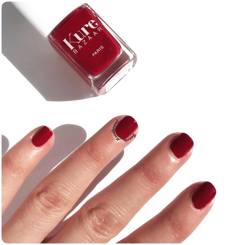 Swatch vernis à ongles de couleur rouge retro