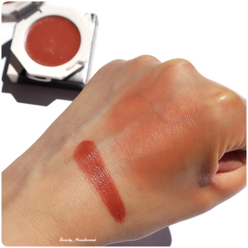 Swatch fard à joue voile de couleur léger comme l'air Rosé Latte 10