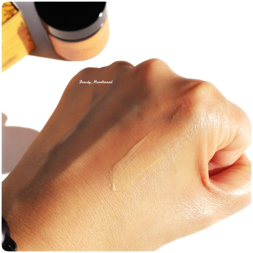 Swatch Crème Contour des yeux Eclat d'or 23 carats