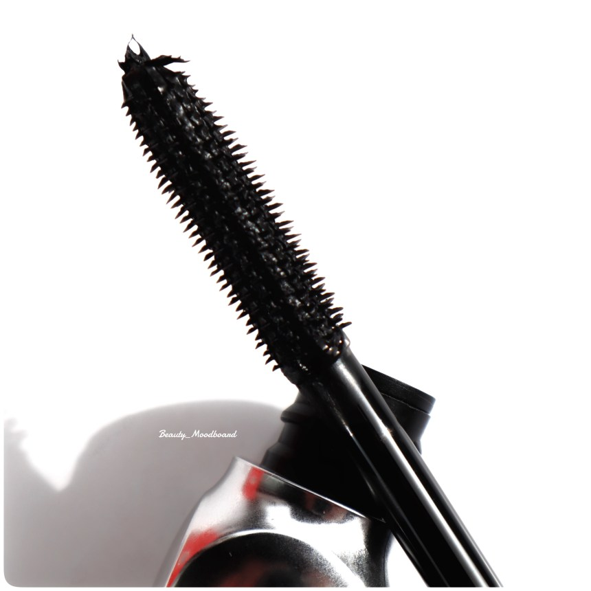 Brosse zigzag nouveau mascara Benefit Cosmetics They're Real Magnet