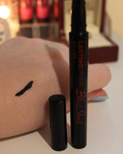 Maybelline eyeliner swatch