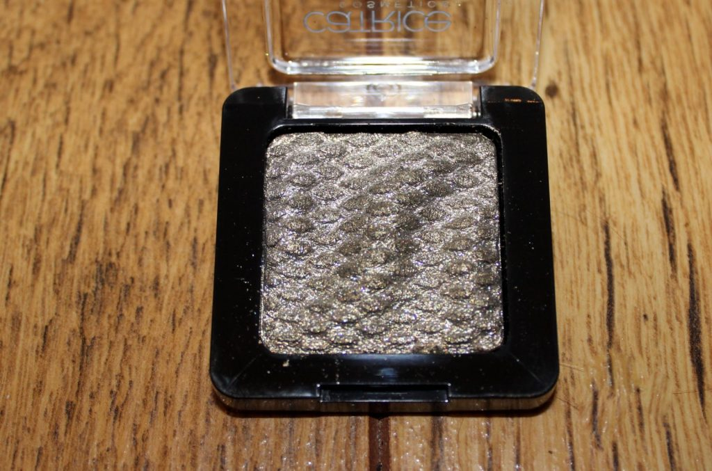 liquid metal eyeshadow gold leaf me