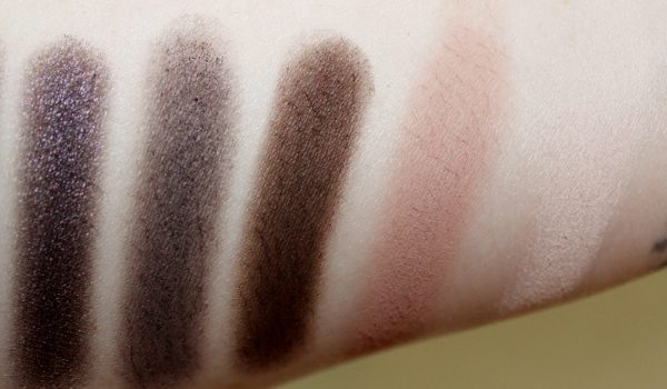 urban decay smoky palette swatch