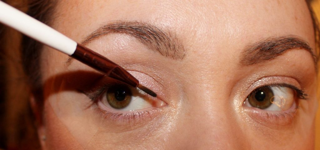 easy cat eye liner