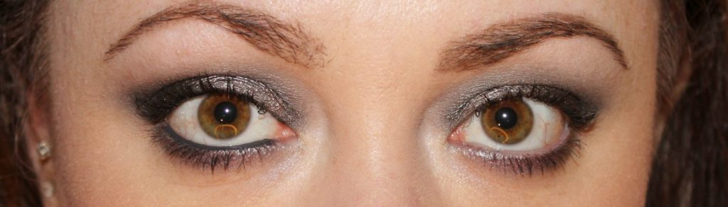Urban Decay Naked Smoky Palette Tutorial (32)