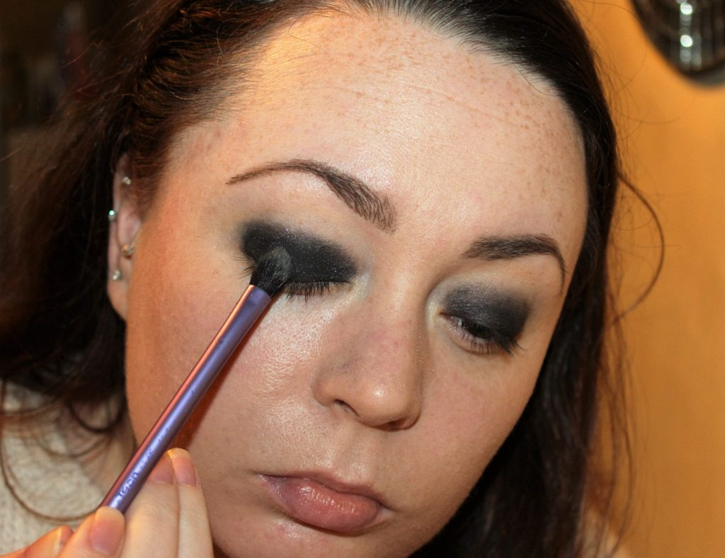 Smoky Eye Makeup Tutorial (6)