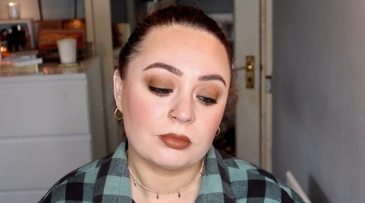 90's Grunge Inspired Makeup Look
