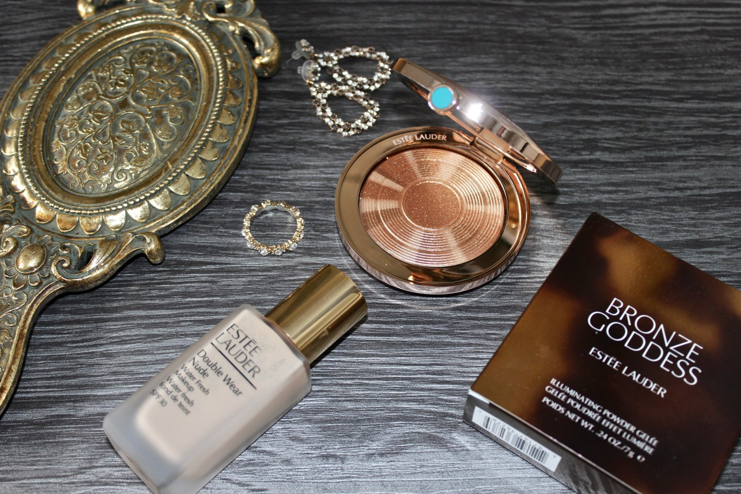 Esteè Lauder Bronze Goddess Illuminating Powder Gelèe