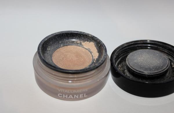 Chanel Vitalumiere Powder Foundation