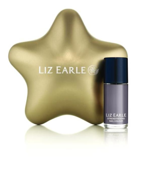 Christmas_Star_Beauty_Treat_With_Ebb_Tide_Nail_Colour (2)
